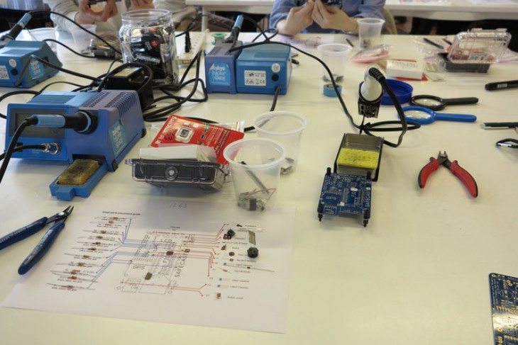 Technical instructions for assembling radiation‐monitoring devices at a 2016 workshop held by a Japanese citizen science network. ()